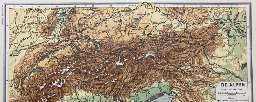 detail kleurenkaart van de Alpen